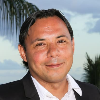 How Money Works Educator - Fernando Silvera