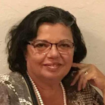 LegacyShield agent Fernanda Dos Santos