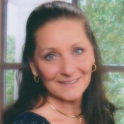 Diane DeWolfe