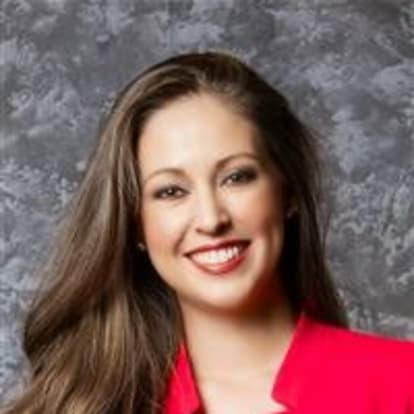 How Money Works Educator - Lindsay Hall