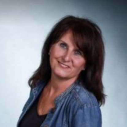 Equis Financial Agent - Geraldine Riley