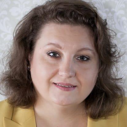 How Money Works Educator - Victoria Chernichenko