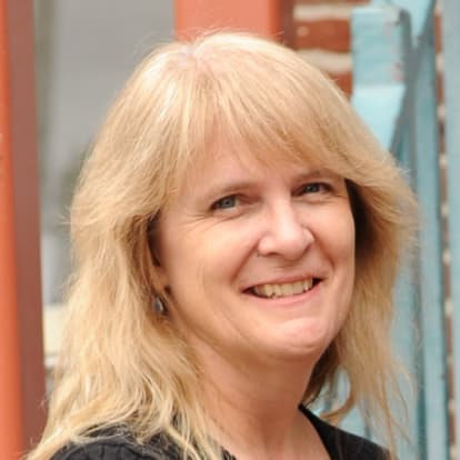 How Money Works Educator - Stephanie Stetson