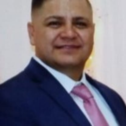 How Money Works Educator - Luis C. Andrade